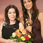 ... ihrer Laudatorin, der Schauspielerin Hannelore Elsner (l.), geehrt wurde