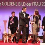 Preisträgerin Iris Alberts setzt sich für Laborhunde ein. Durch sie erhalten die leidgeprüften Vierbeiner ein neues Zuhause.