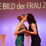 Preisträgerin Johanna Richter und Laudatorin Barbara Wussow.