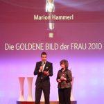 Kai Pflaume und PreisträgerinMarion Hammerl.
