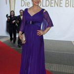 Schauspielerin Sabine Kaack setzte Farbakzente in Barbara Schwarzer.