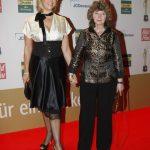 Andrea Kiewel und Preisträgerin Marion Hammerl