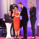 Und eigentlich wollte die Preisträgerin Gaby Schäfer nur eben mit ihrer Tochter in Neuseeland telefonieren... Dass diese im Publikum saß, war wohl eine der schönsten Überraschungen des Abends.