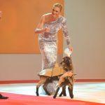 Maria Höfl-Riesch durfte die kleinen Ziegen füttern …