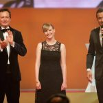 Laudator Dr. Eckart von Hirschhausen, Preisträgerin Anja Kersten und Kai Pflaume