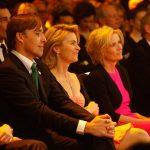Andreas Wiele, Ursula von der Leyen, Sandra Immoor folgen gebannt der Veranstaltung