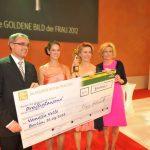 """30.000 Euro gab es für die junge Vanessa Velte und ihr Projekt """"Schenke eine Ziege e.V."""""""
