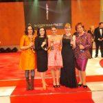 Fünf starke Frauen: die Preisträgerinnen Dr. Katja de Braganca, Salome Saremi-Strogusch, Vanessa Velte, Anja Kersten und Wera Röttgering (v.l.n.r.)