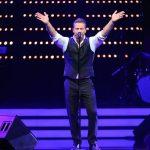 Der Hamburger Sänger hat das Publikum im Griff