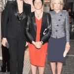 Laudatorin Veronika Ferres mit Preisträgerin Gaby Schäfer und BILD der FRAU-Chefredakteurin Sandra Immoor.