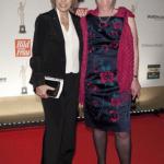 Schauspielerin Gaby Dohm und Preisträgerin Dagmar Hirche, die mit ihrem Verein