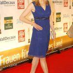 In leuchtendem Blau: Inge Steiner
